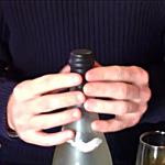 """Crean un """"preservativo"""" para tapar botellas de vino abiertas"""