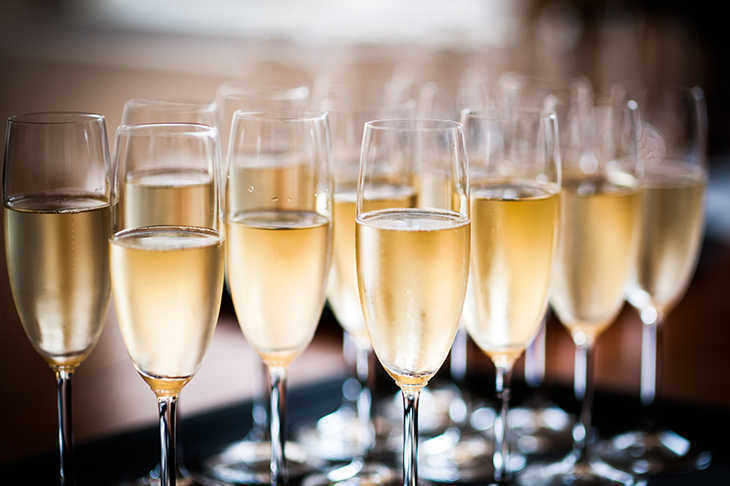 champagne-vs-cava