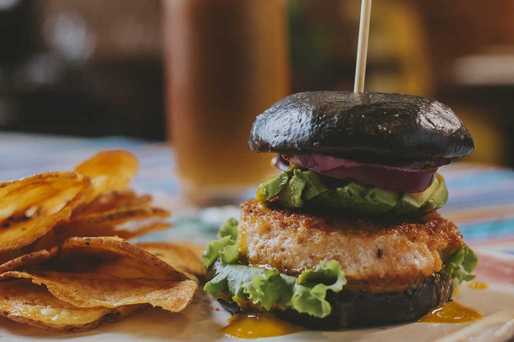 Morena hamburguesa