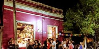 bares con librerías