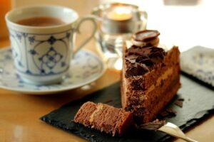 Cómo hacer una torta de cumpleaños de chocolate 1